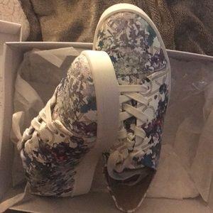 🆕 Calvin Klein Sneakers